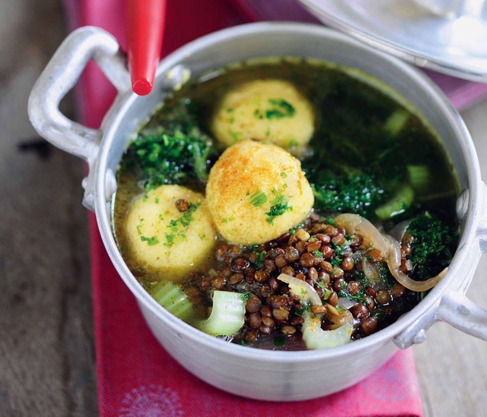 Rezept: Lecker: Wärmende Linsen-Grünkohl-Suppe