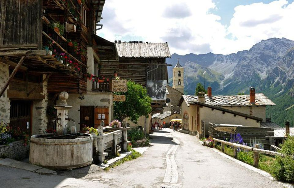 Monviso: Saint Véran ist die höchstgelegene Gemeinde in den Alpen auf 2042 Meter Höhe