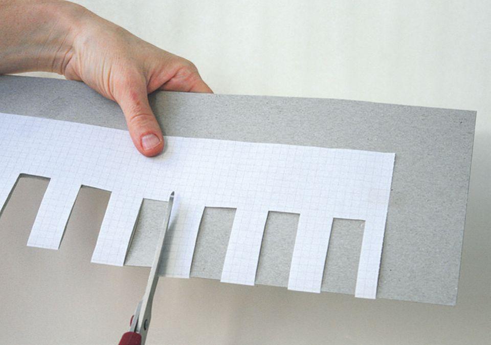 Stricken: Das Muster auf den Karton übertragen