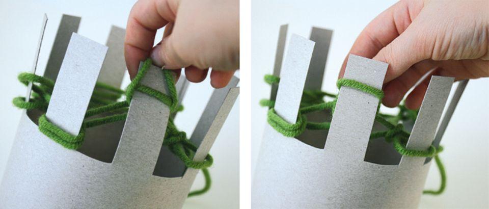 Stricken: Hebt die unteren Schlingen über die Zacken und strickt die Maschenreihen