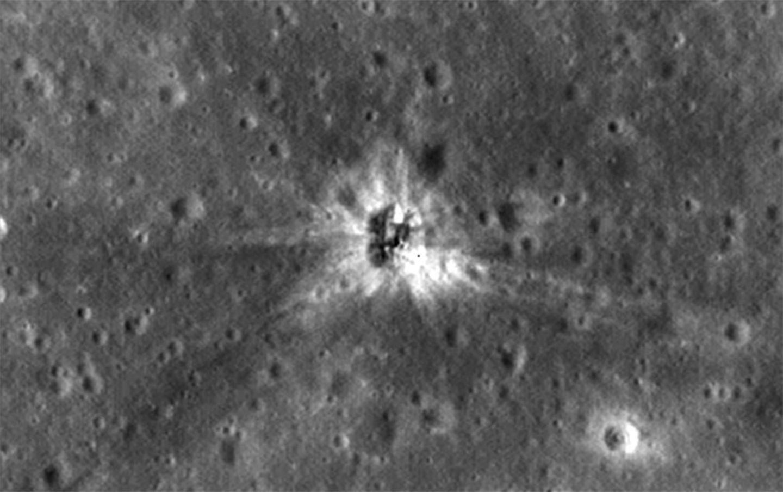 Mondsonde findet Raketenreste