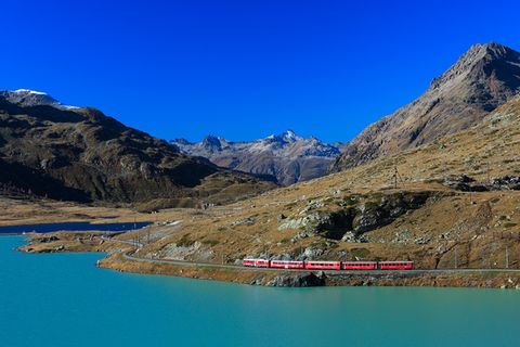 Schweiz: Bei diesen Hotels ist schon die Anreise spektakulär