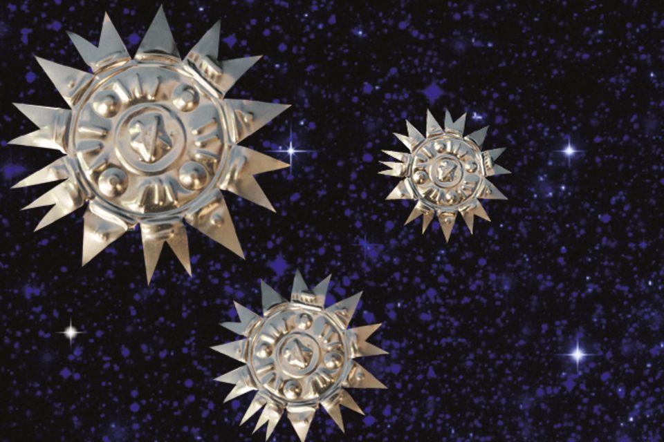 Upcycling: Sterne aus alten Teelichtern