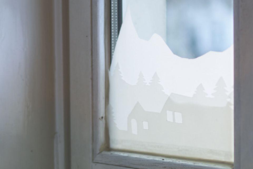 Basteln: Fensterbild aus Papier