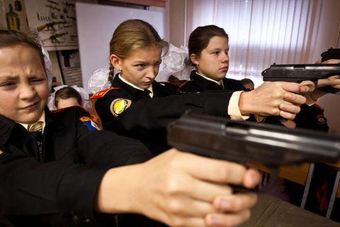 Kurzfilm: Kadettenschülerinnen von Moskau: Im Gleichschritt, marsch!