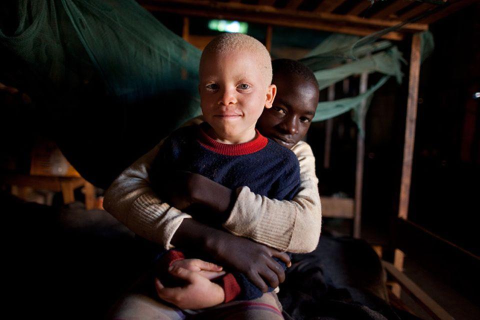 Fotostrecke: Unicef Burundi: Médick und seine Beschützer