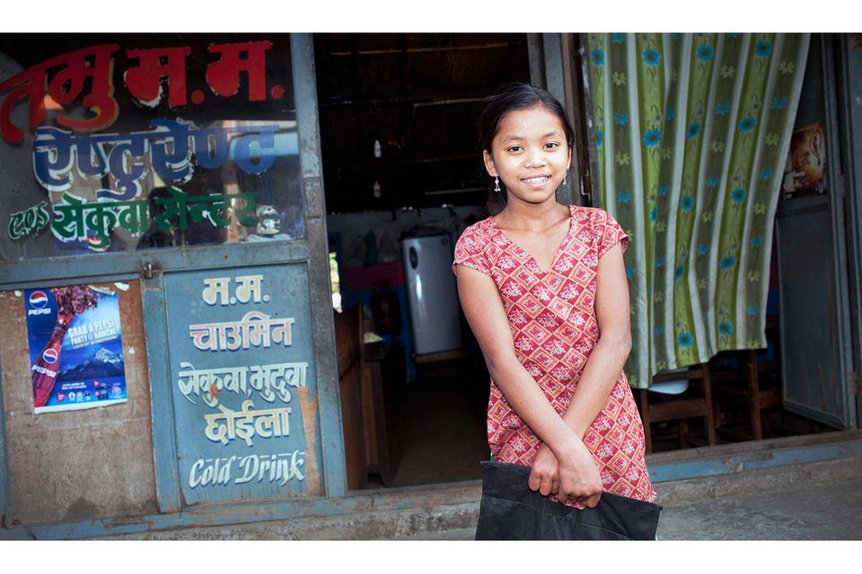 Fotostrecke: Unicef Nepal: Parmila darf lernen