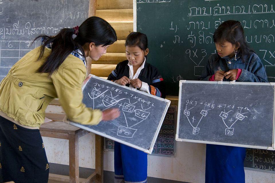 Lou Ker lernt Lao