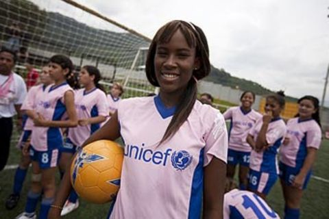 UNICEF-Fotoshow: Costa Rica - Ingrid bleibt am Ball