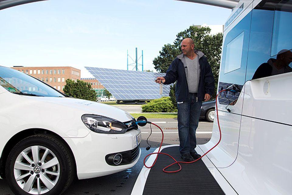Elektroauto: Elektroautos - Sensation mit Strom