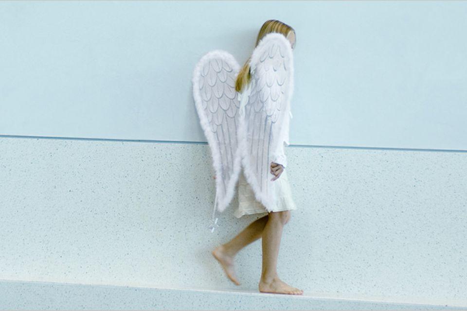 Redewendung: Ein Engel geht durchs Zimmer