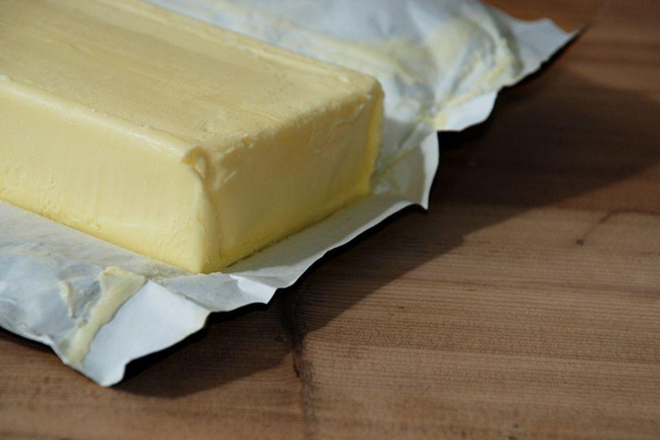Redewendung: Butter bei die Fische geben