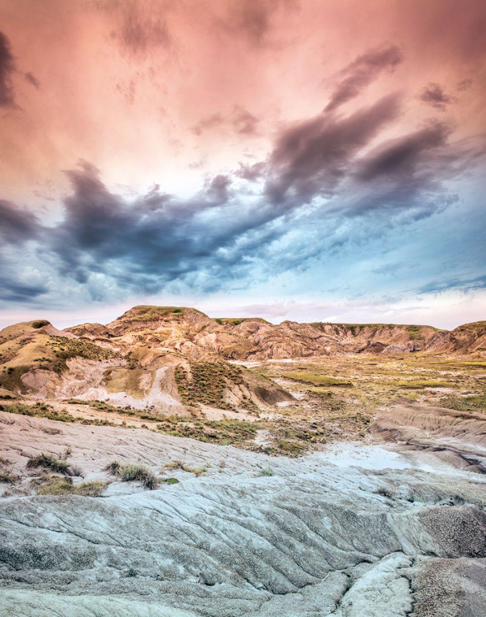 Alberta: Die vor Urzeiten aufgefalteten Mud-Buttes-Hügel