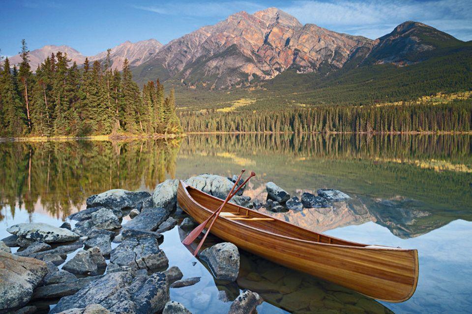 Der Pyramid Lake in Kanada