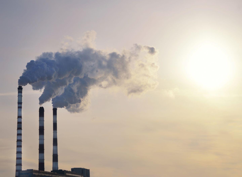 Klimawandel: Kraftwerke stoßen Kohlendioxid (CO2) aus und tragen damit maßgeblich zur globalen Erwärmung bei