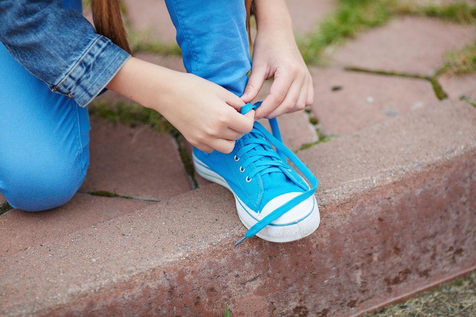 Redewendung: Neue Schuhe drücken gerne mal - damit hat diese Redewendung aber nicht direkt etwas zu tun...