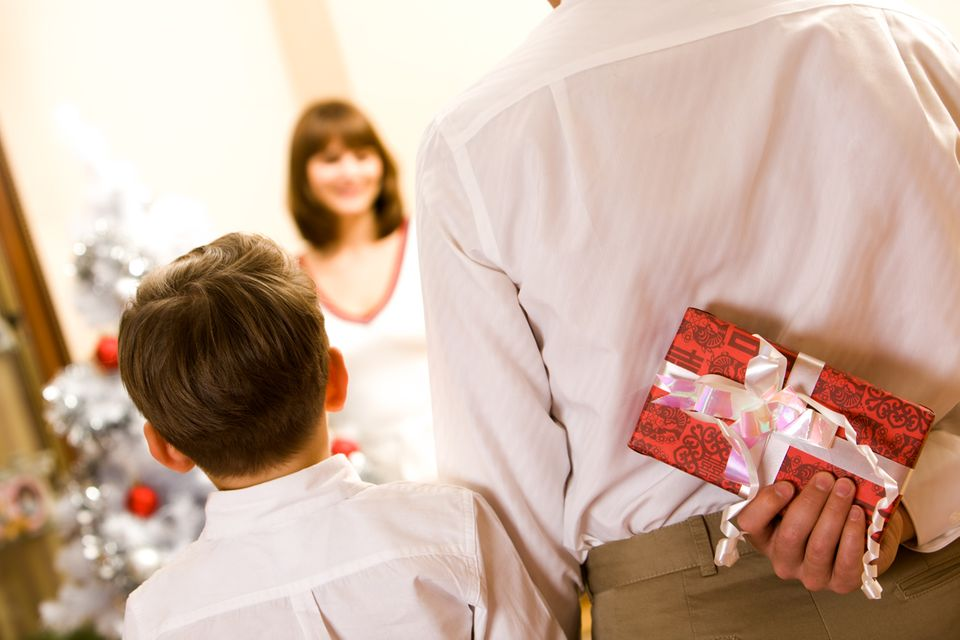 Redewendung: Man kann vieles in petto haben - zum Beispiel ein Geschenk