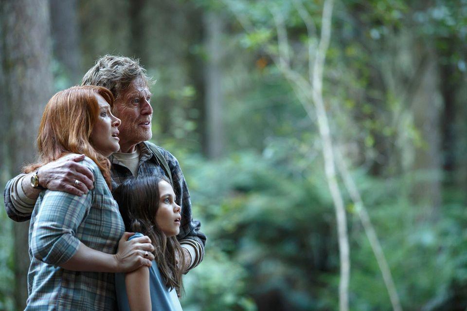 Filmtipp: Grace, ihr Vater und Natalie staunen nicht schlecht, als sie Elliot im Wald gegenüber treten