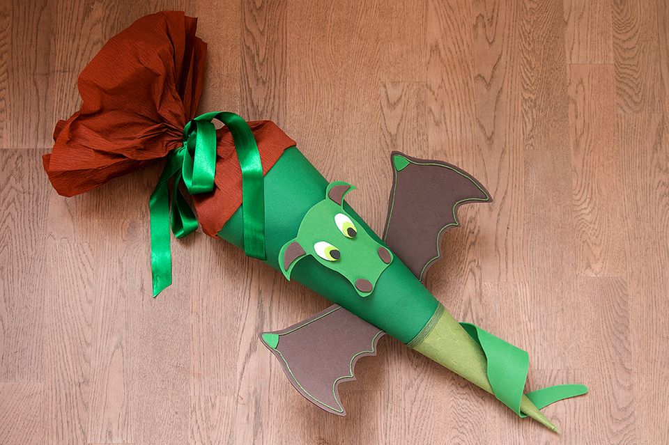 Schultüte basteln: So sieht die fertige Drachen-Schultüte aus!