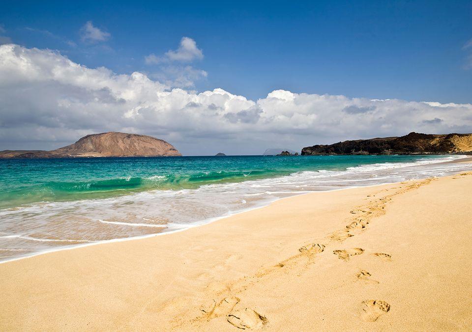 Playa de las Conchas beach, Isla Graciosa, Lanzarote