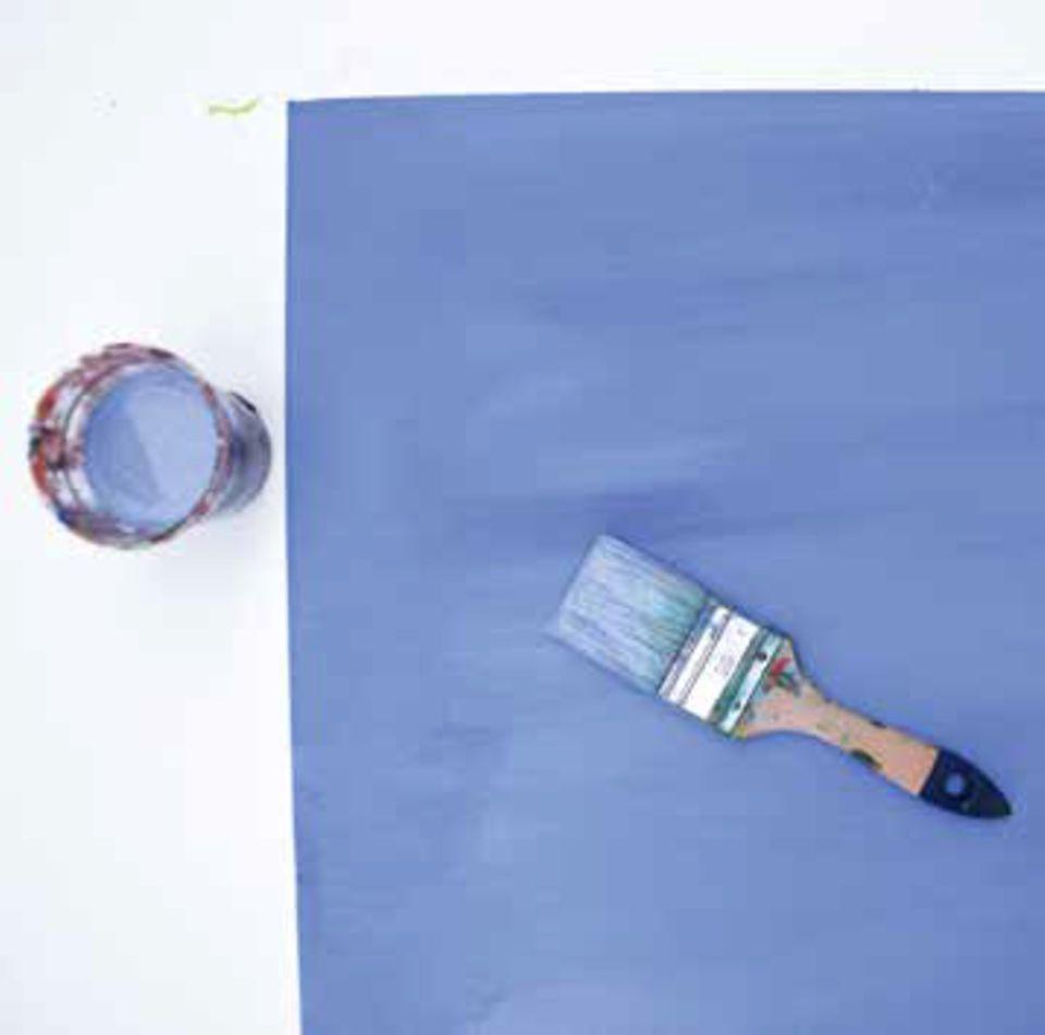 Malt den Hintergrund des Bildes blau an