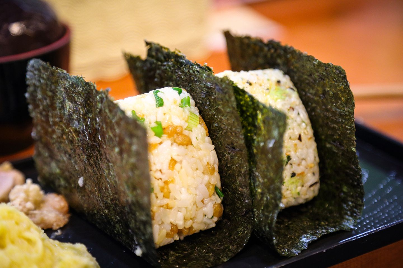 Onigiri - kleine japanische Reisbällchen