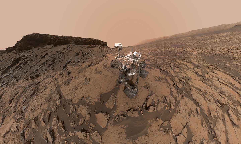 """Curiosity am Bohrort """"Quela"""" während seiner Marsmission"""