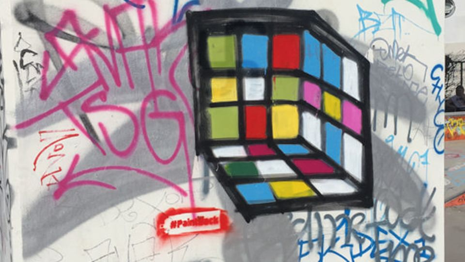 Paintback: Wie aus Hakenkreuzen bunte Bilder werden