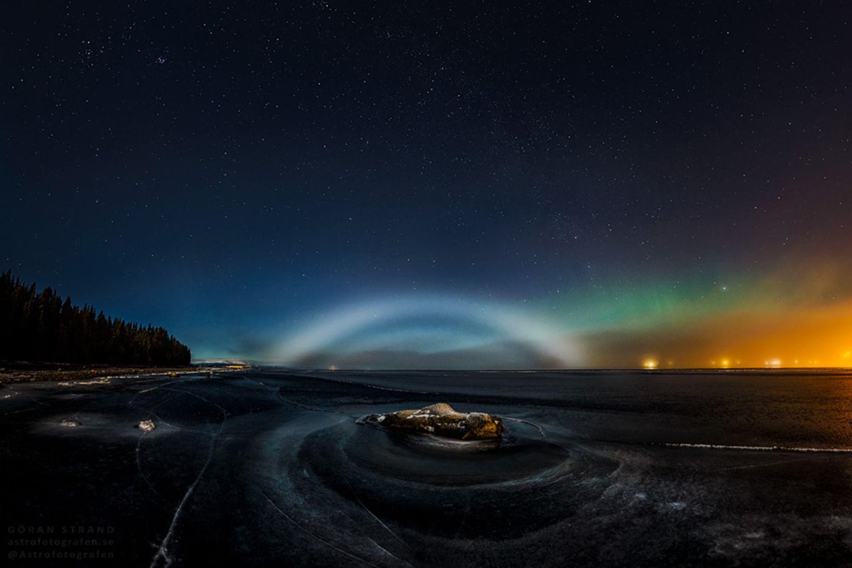 Nebelbogen und Polarlicht in einem Bild