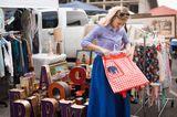 Flohmarkt, gebrauchte Kleidung kaufen