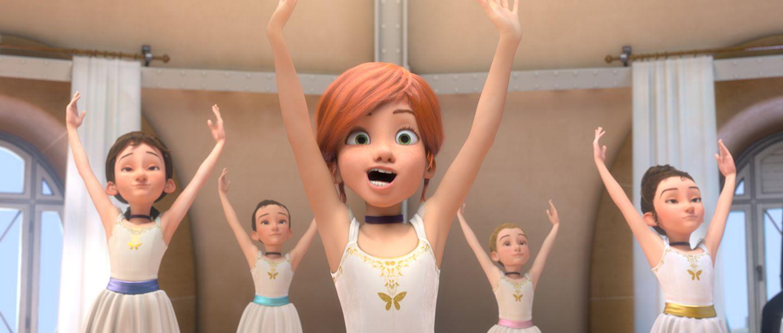 Felicie im Ballettunterricht