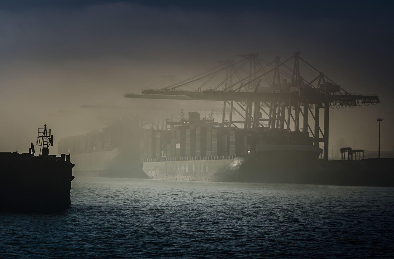 Deutschland, Hamburg, Hafen, Elbe, Nebel, Containerterminal,