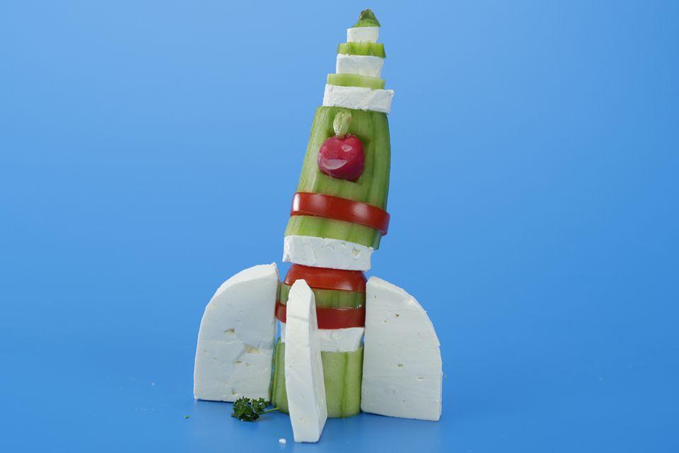 Rakete aus Gemüse und Käse