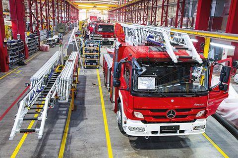 Produktionsstrasse der Feuerwehrautos bei Rosenbauer