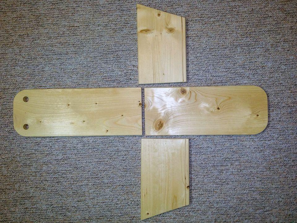 Holzteile des Futterkastens