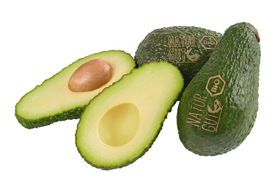 Avocado mit Laseretikett