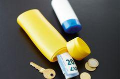 Geld in Tube versteckt