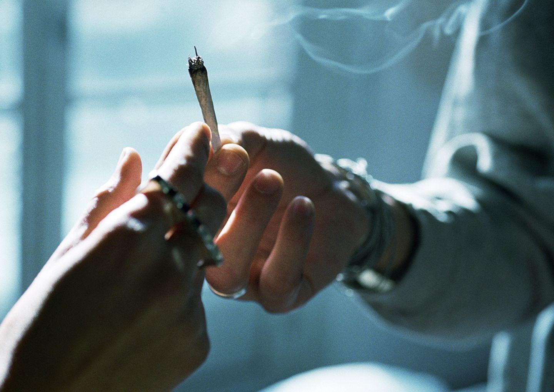 Joint in der Hand