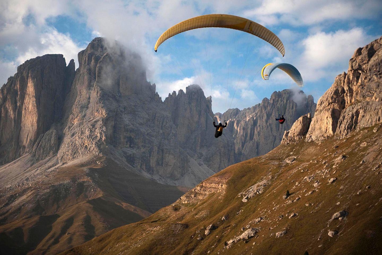 Gleitschirmflieger, Dolomiten, Langkofel