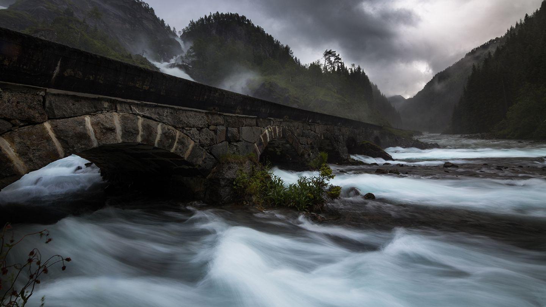 Låtefossen, Odda, Norwegen