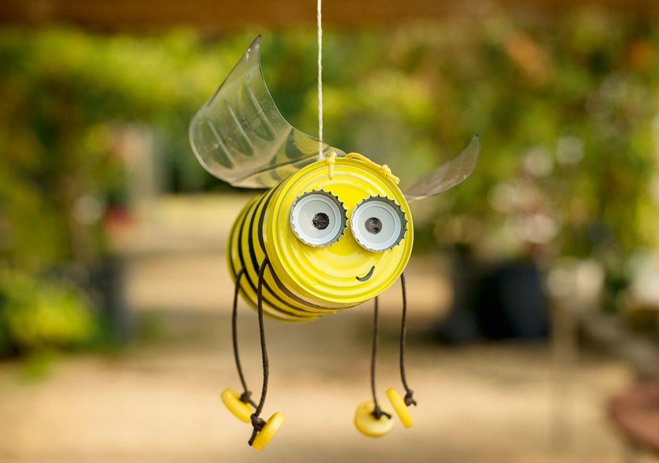 Biene aus einer Konservendose