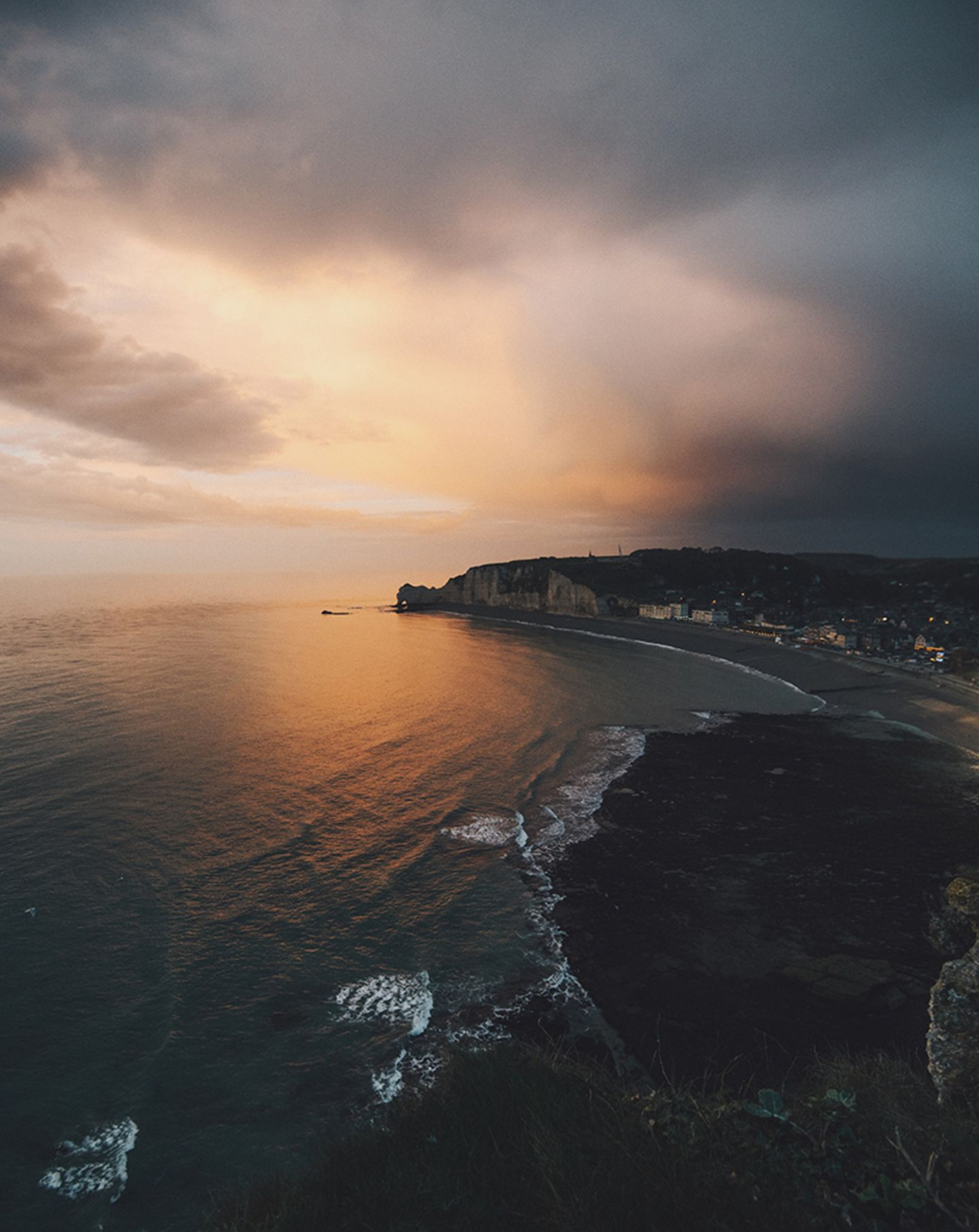 Die Küste im Abendlicht