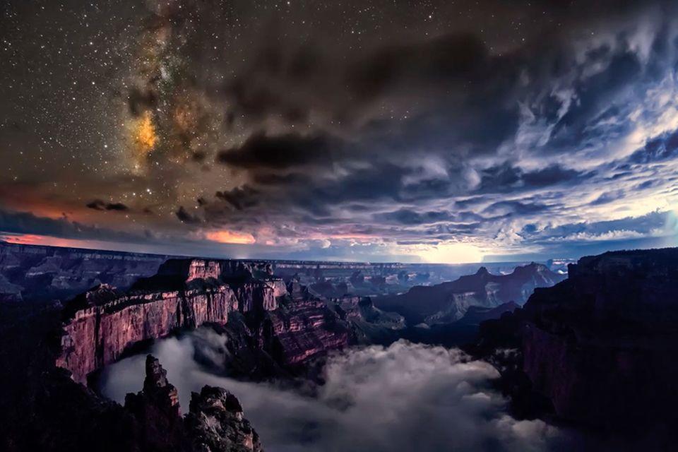 Grand Canyon in den Wolken