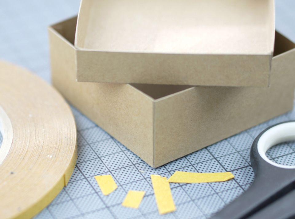 Schachtel kleben
