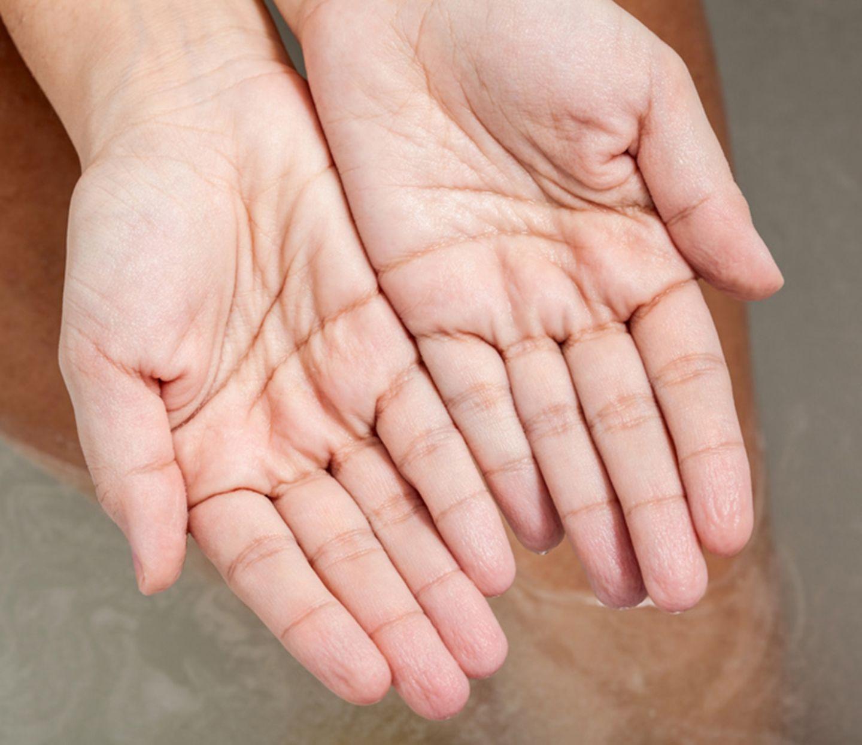 Finger Schrumpelig Wasser
