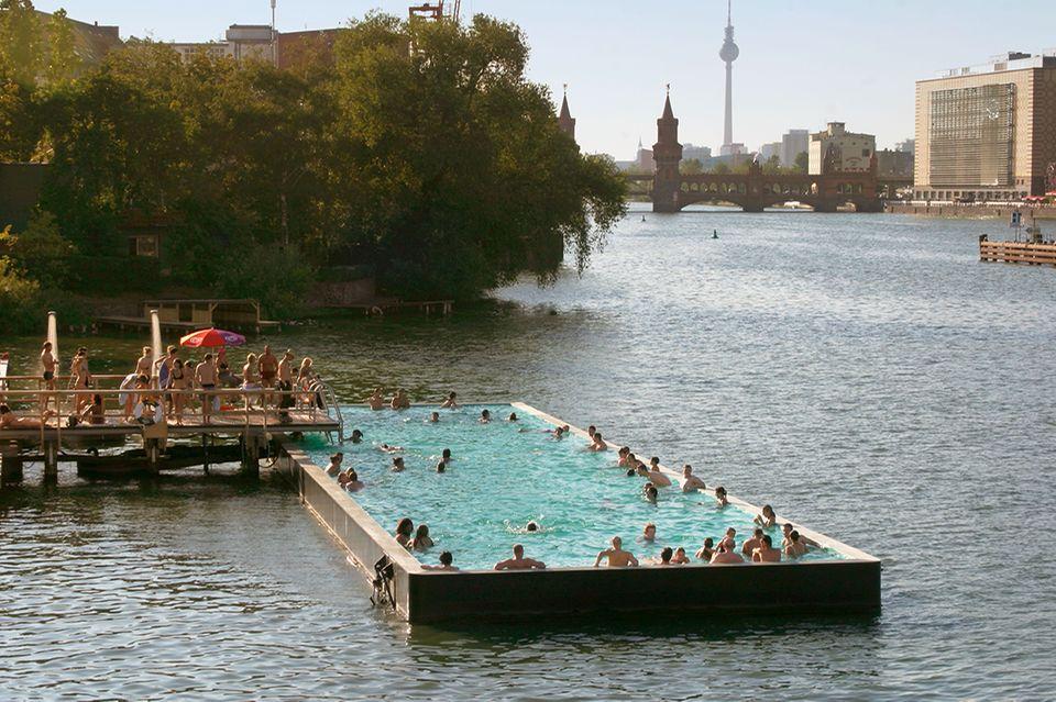 Badeschiff, Berlin, Spree