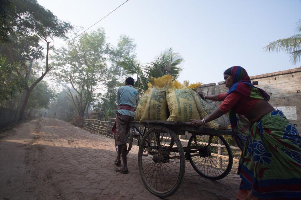 Indien: Lastenfahrradrikscha im Einsatz