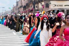 Tag der Toten Parade Mexiko