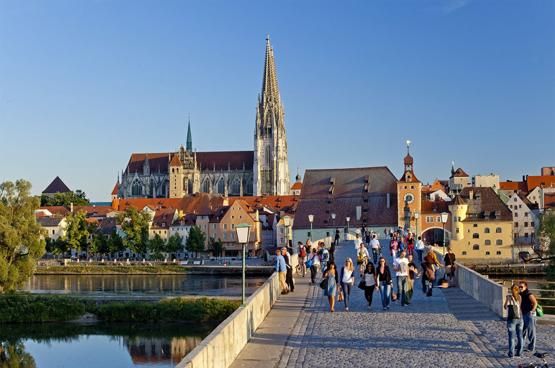 Regensburg und Steinbrücke