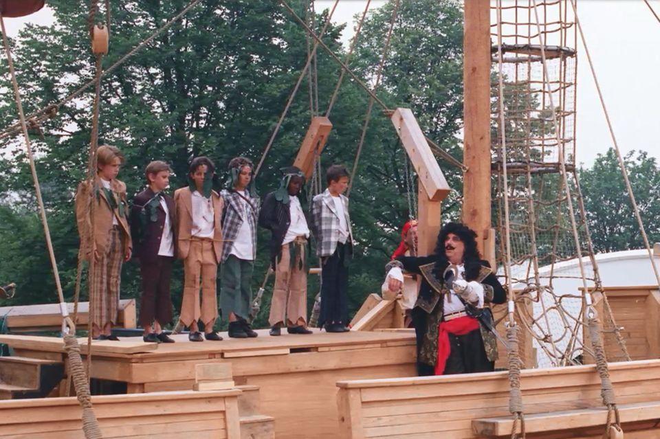 Spielplatz mit Schiff